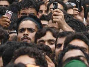 ఇండియాలో మొబైల్ యూజర్స్ 500mn మాత్రమే, 800mn కాదు