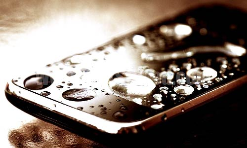 How to Fix a Wet/Damaged Cell Phone?