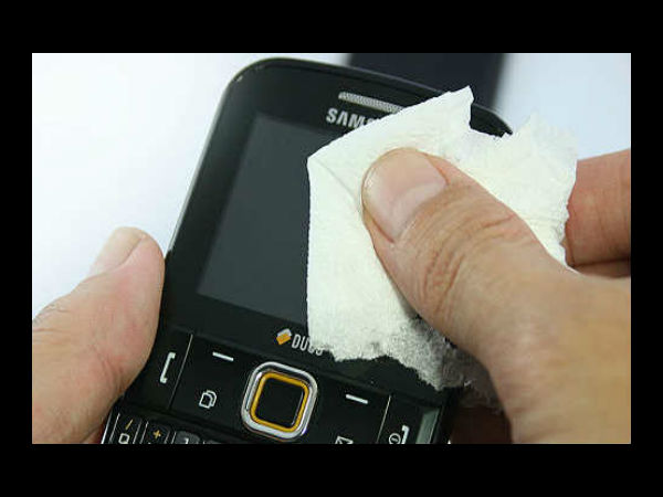 How to Clean Tablet, Smartphone or LCD Touch Screen