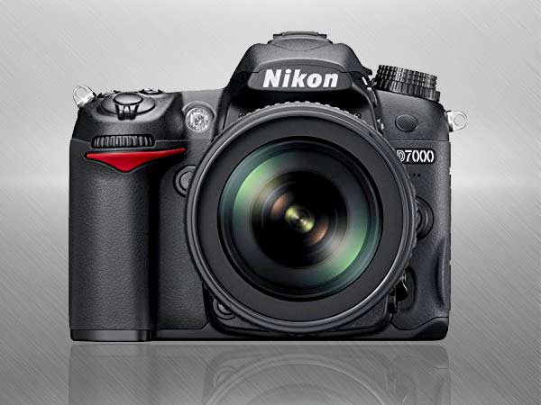 Nikon D7000 Digital SLR Camera with 18-140mm VR Lens