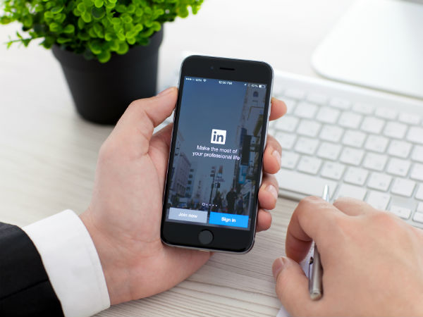 డేటా సేవ్ చేసే LinkedIn లైట్ యాప్ !