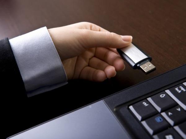 USB డ్రైవ్తో పీసీని లాక్, అన్లాక్ చేయడం ఎలా?
