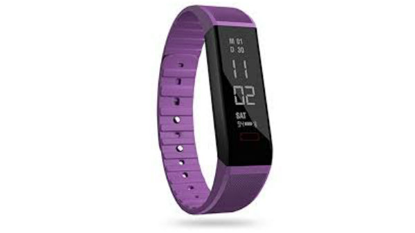Boltt Fitness Tracker With AI (ధర రూ.800)
