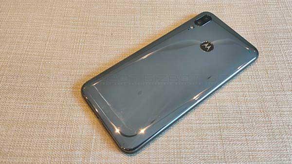 Motorola E6s రివ్యూ, ఆకట్టుకునే ఫీచర్లు, ఆకట్టుకోని ఫీచర్లు మీకోసం