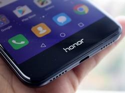 నెం.1 ఆన్లైన్ స్మార్ట్ఫోన్  బ్రాండ్, Xiaomiకి షాకిచ్చిన Honor