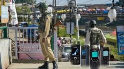 కాశ్మీర్లో ప్రభుత్వ ఉన్నతాధికారులకు శాటిలైట్ ఫోన్లు